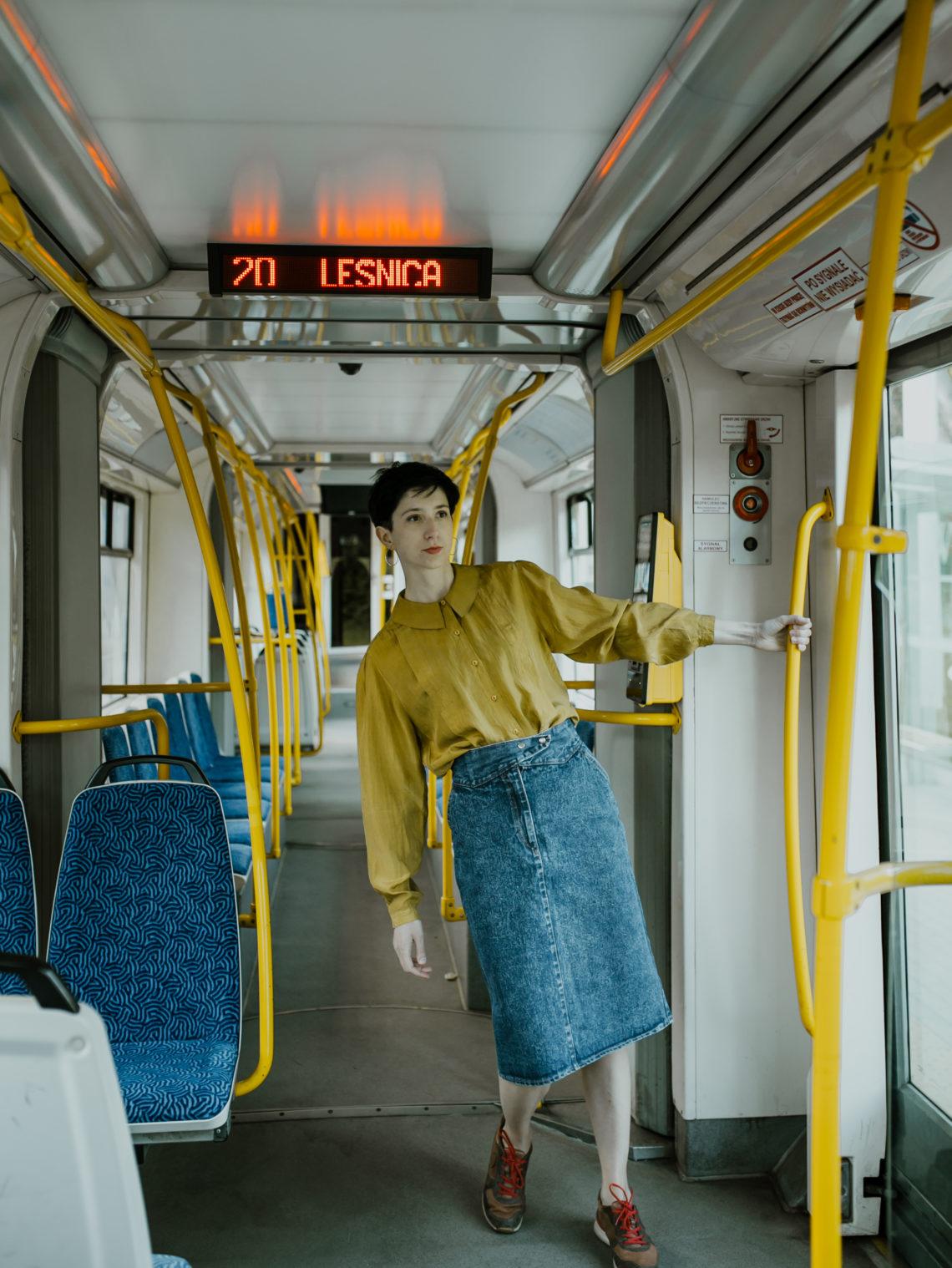 sesja fotograficzna w tramwaju